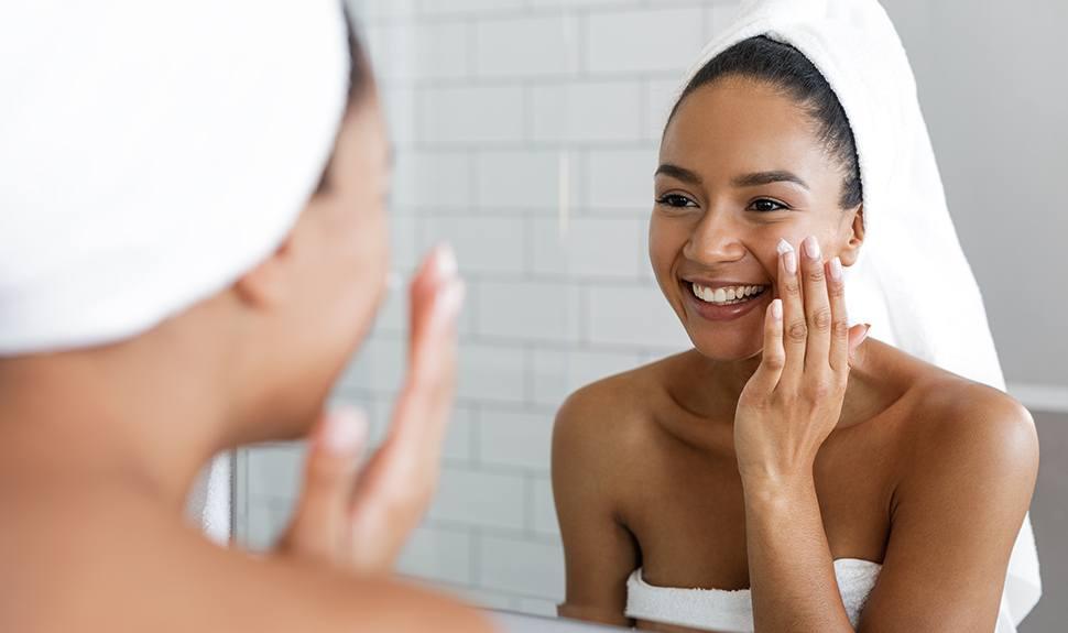 Skincare Benefits of Using a Vitamin C Serum
